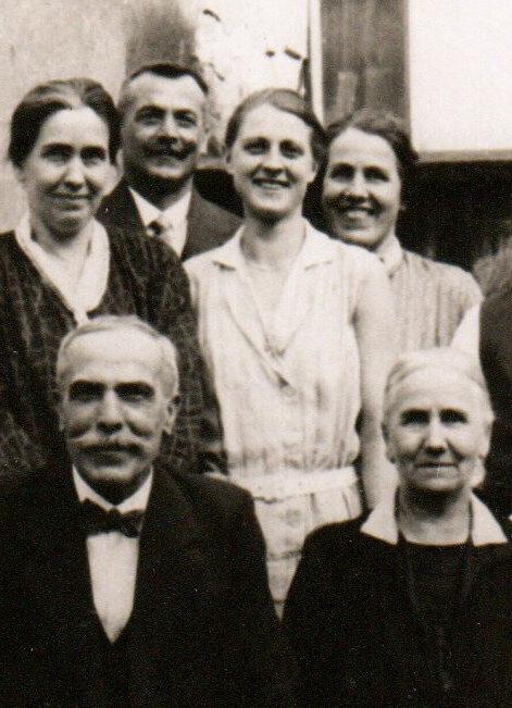 Hinten: Georg Rumold, der Vater von Berthold Rumold, vorne Georg Rumold, der Vater von Georg Rumold, aufgenommen in Ludwigshafen, ca. 1930?